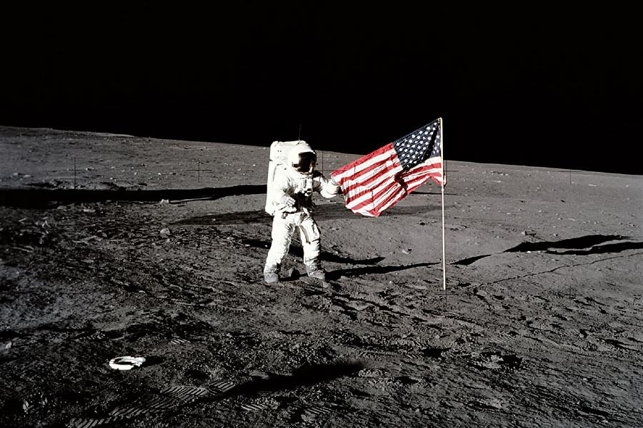 87070_moonlanding